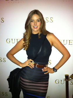 Robyn Lawley, one of the top plus size models in the world, has appeared in many editorials, on runways, and in advertising for top retailers.