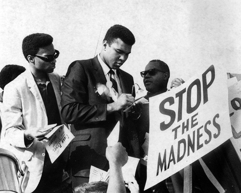 Ali surrounded by supporters protesting both the draft and the Vietnam War(San Diego, California. 1967)