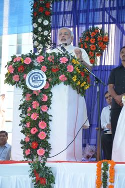 Modi addressing graduates at Gujarat National Law University, 2012.