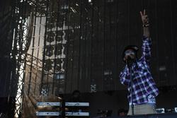 Lil Wayne performing at Voodoo Music Experience in 2008.