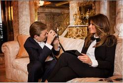 Barron photographing his motherMelania Trump!