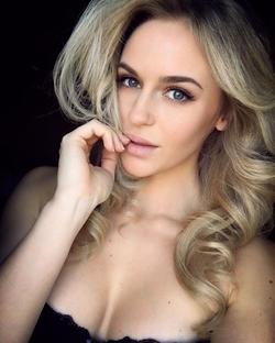 Anna Nyström selfie