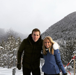 Photo of Sara Eisen and her co-anchor Wilfred Frost in Davos​