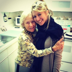 Photo of Sara Eisen with her grandmother [18]​