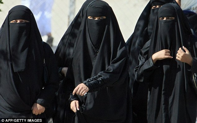 How women normally dress in public inSaudi Arabia