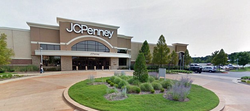 Mall where Kim King-Macon drove to in order to call the police