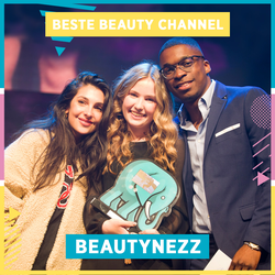 "BeautyNezz winning her ""Best Beauty Channel"" award"
