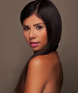 Chelsey Amaro modeling