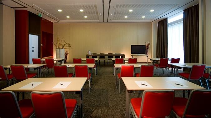Meeting Room, Classroom Setup