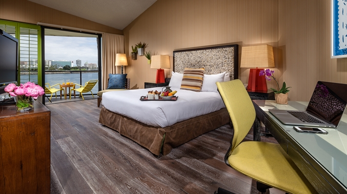 King Waterview Room with Balcony