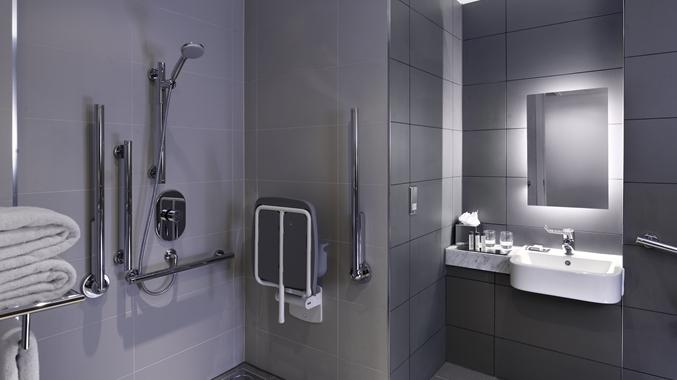 Queen Accessible bathroom