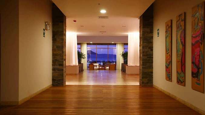 Lobby Connecting Hall