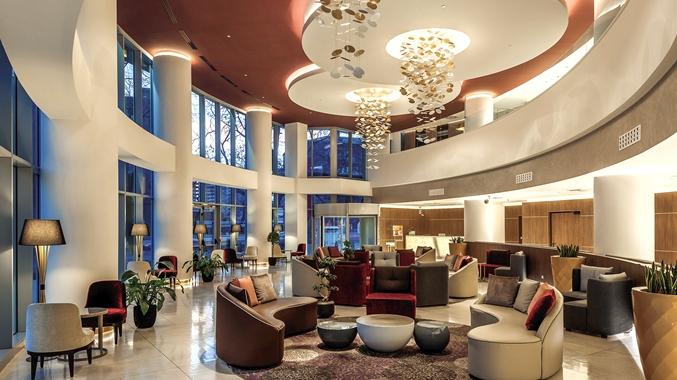 Lobby, Circle Seating