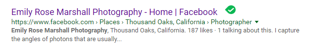 Says her photography is based out ofThousand Oaks, California