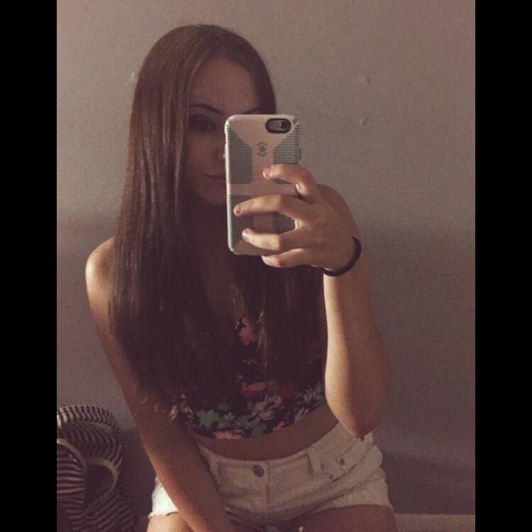 Alyssa's       Facebook      profile pic                  [3]
