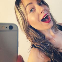 Erin taking a selfie