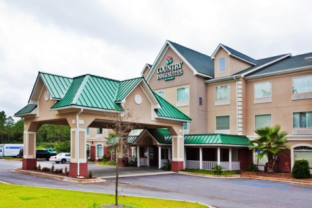 Welcome to the Country Inn & Suites, Albany, GA!
