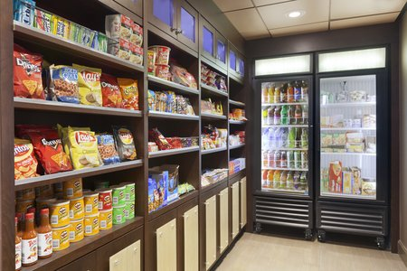 Inn Case Market with Snacks and Drinks