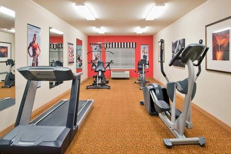 Hotel's Fitness Center in Columbia, MO