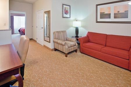 Hotel Suites in Columbia, MO
