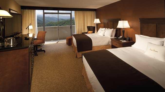 Accessible 2 Queen Bed Room