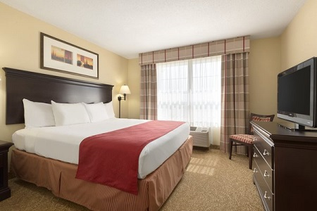 Spacious Hotel Rooms in Moline