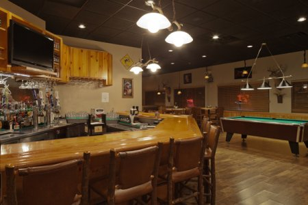 On-site Dining near the Country Inn & Suites, Prairie du Chien Lodging