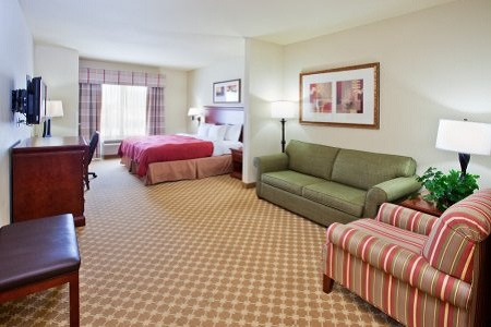 Country Inn & Suites, Tifton, GA Suites