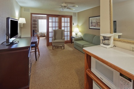 Welcoming West Bend, WI Hotel Suite