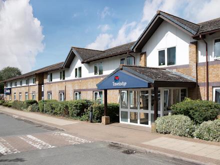 Bicester Cherwell Valley M40 Hotel - Exterior
