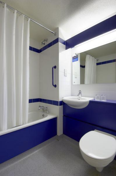 Galway City - Family bathroom