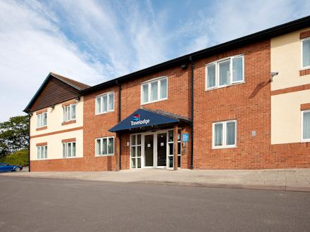 Shrewsbury Battlefield - Hotel exterior