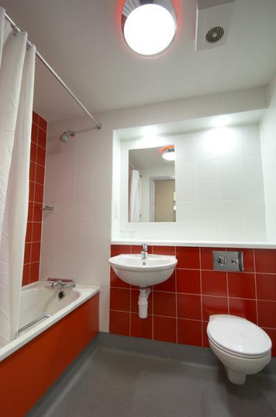 Limerick Castletroy - Twin bathroom