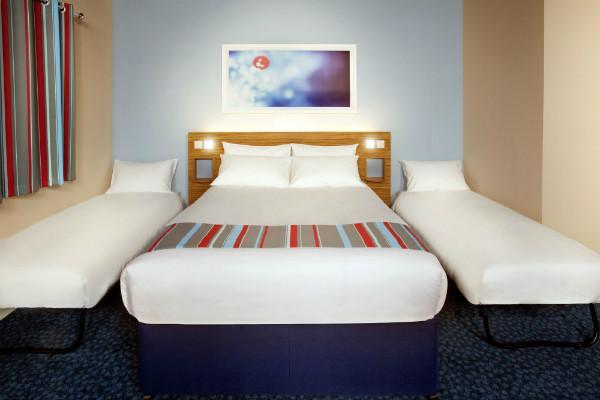 Burton Upon Trent  Hotel - Family Room