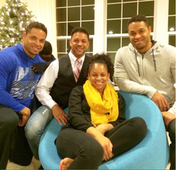 Hodge Twins with their older brother and older sister at a Thanksgiving family get-together (source: Instagram, November 28, 2014)