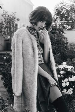 Black and white photo of Taylor Lashae.