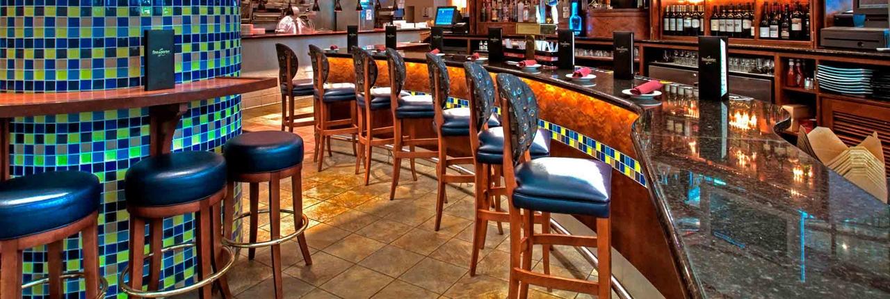Bar at Finn & Porter restaurant