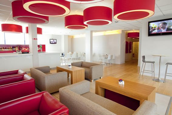London Kew Bridge - Bar Cafe