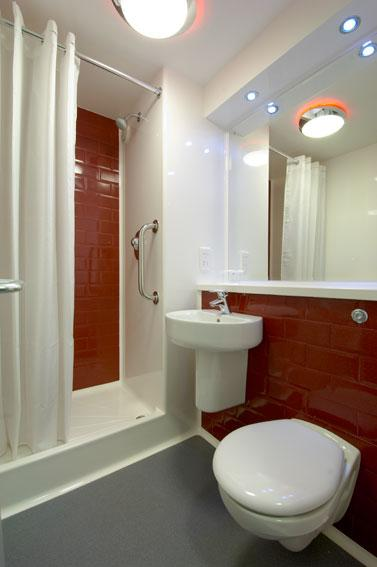 Maidenhead Central - Double bathroom