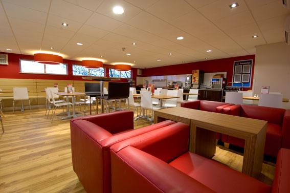 London Whetstone - Bar Cafe
