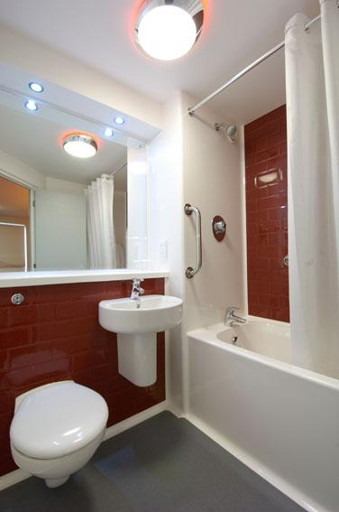 Lancaster Central - Family bathroom