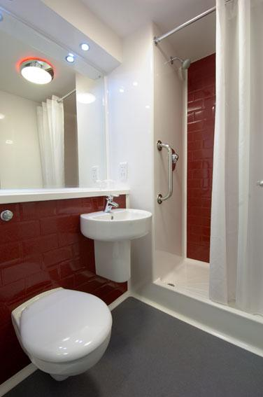 Cardiff Central Queen Street - Double bathroom