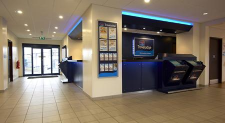 Birmingham Airport - Hotel reception