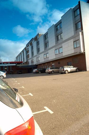 Luton - Hotel exterior