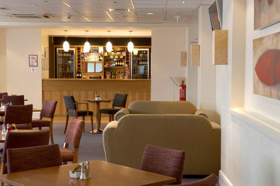 Luton - Bar Cafe