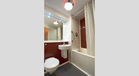 Manchester Salford Quays - Family bathroom