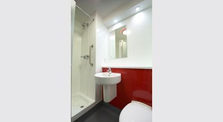 Edinburgh Central Queen Street - Double bathroom