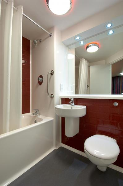 London Woolwich - Family bathroom