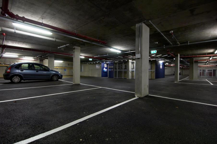 London Bromley - Hotel car park