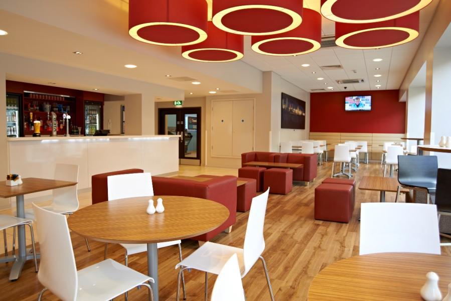 Liverpool Central Exchange Street - Bar Cafe